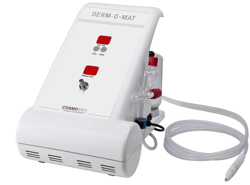 Derm-o-mat Gerät für die professionelle Mikrodermabrasion mit Kristallen. Exakt und kontrolliert.